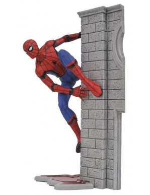 SpiderMan Homecoming Marvel Gallery statuette...