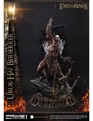Le Seigneur des Anneaux statuette 1/4 Uruk-Hai Berserker 93 cm